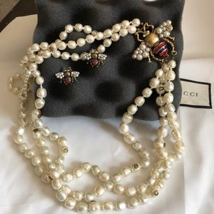 Gucci pearl necklace and earrings